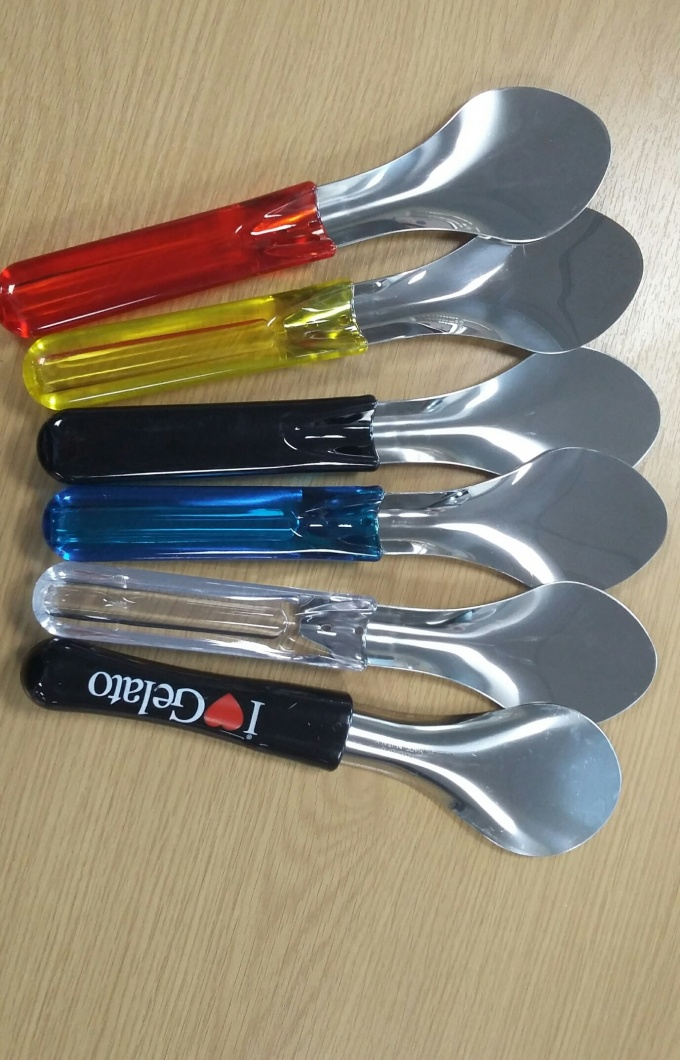 Coloured spatulas